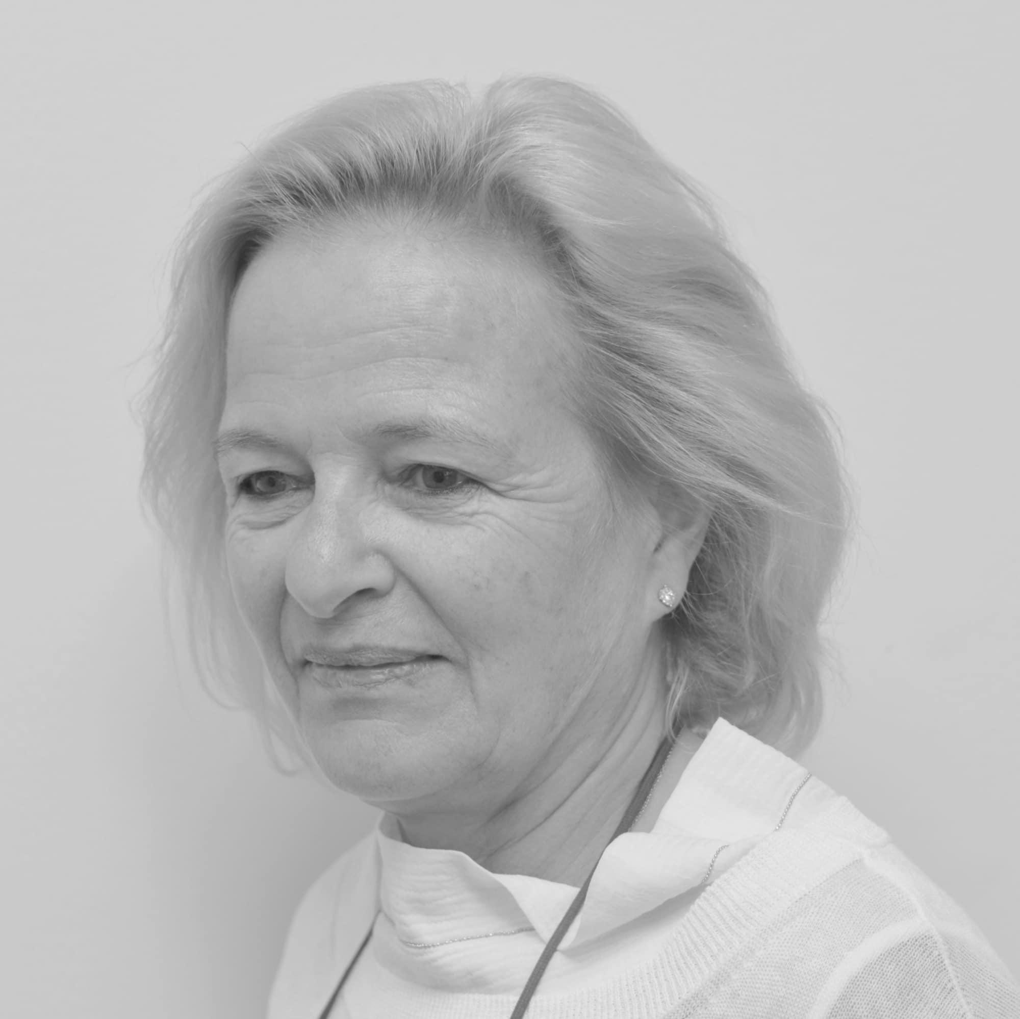Brücker Angela